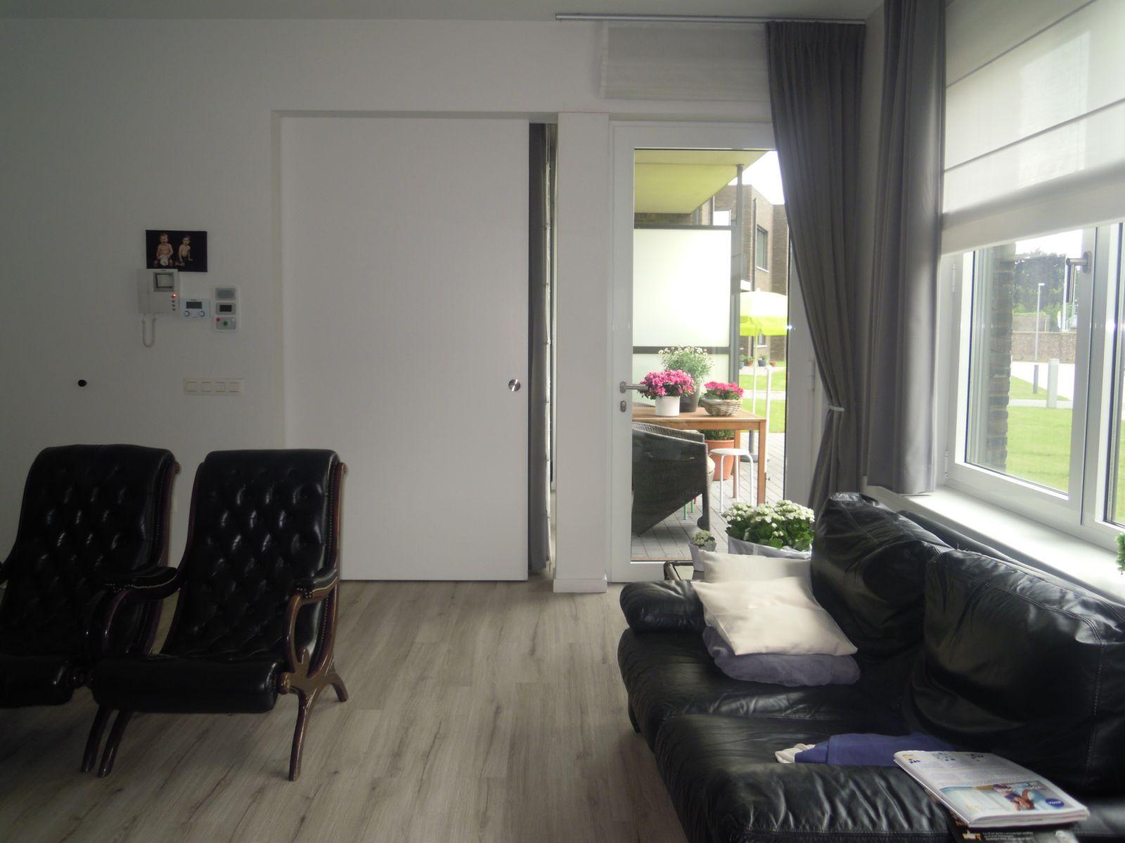 Inrichting van een flat ocmw oudenaarde hulpverlening serviceflats leupegem - Inrichting van een lounge in lengte ...